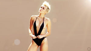 Miley Cyrus | Black Swimsuit - Nice Boobs | Wallpaper | 1x | Maxim June '13