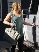 http://img274.imagevenue.com/loc541/th_089933609_Hilary_Duff_Leaving_Pilates_Class9_122_541lo.jpg