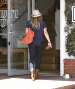 http://img274.imagevenue.com/loc549/th_810445339_Hilary_Duff_Fred_Segal_West_Hollywood8_122_549lo.jpg